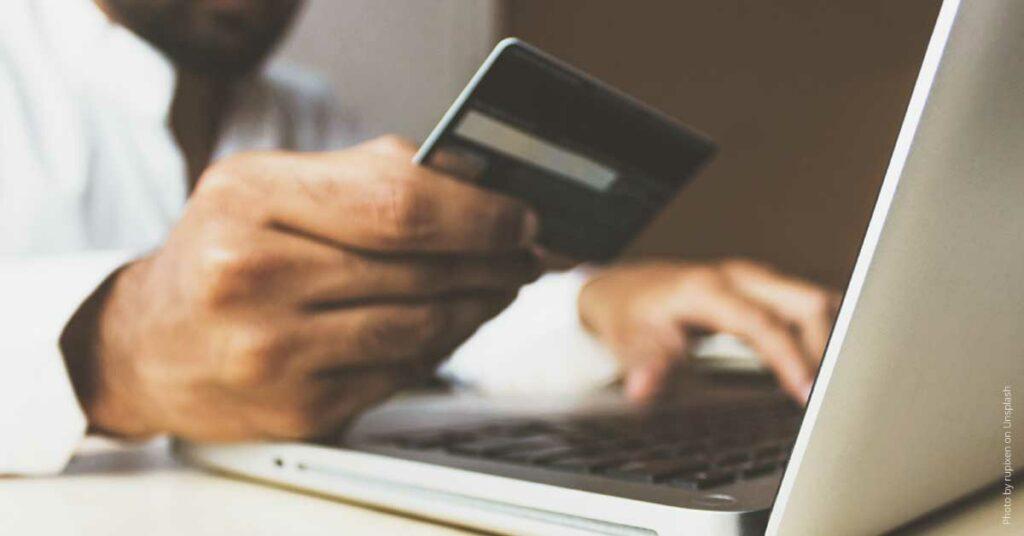 Thumbnail-Social-Commerce-Online-Shopping-Social-Media
