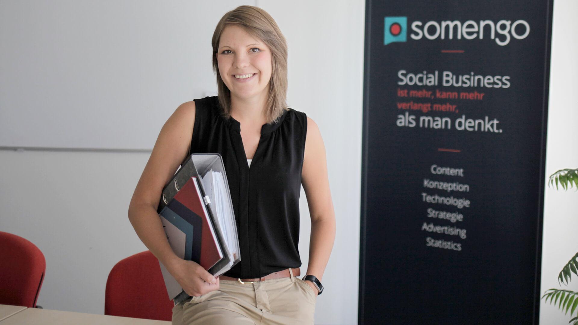 Thumbnail_Trainee_Social_Media_Account_Manager