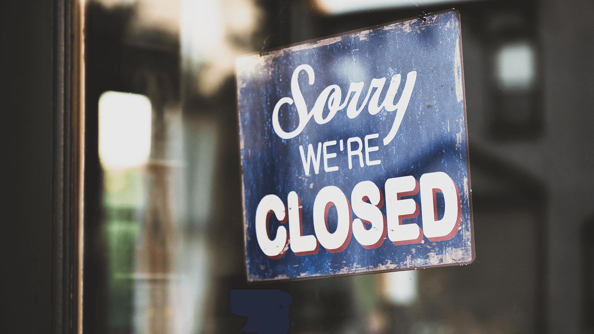 Schild von geschlossenem Unternehmen