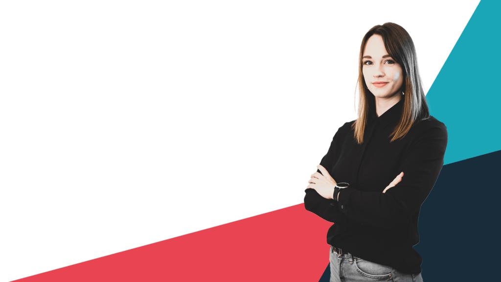 Foto von Mitarbeiterin von weiß-blau-rotem Hintergrund